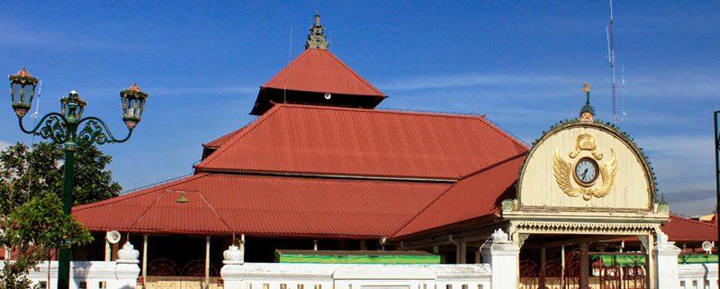 Cara Asyik Ngabuburit Ala Chelsi - Wisata Bangunan Masjid Kuno