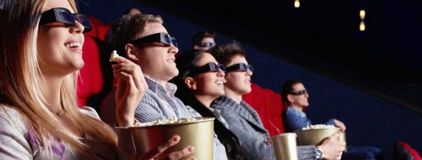 Nonton film bersama di bioskop