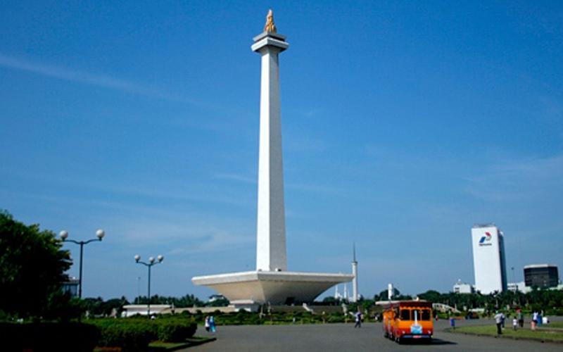 Tempat Bersejarah yang Menjadi Tempat Wisata - Monas (Monumen Nasional)