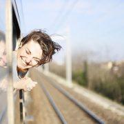 tiket kereta api, traveling dengan kereta api