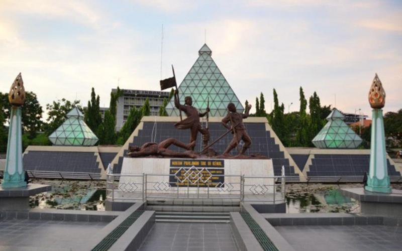 Destinasi Wisata Sejarah - Museum Sepuluh Nopember