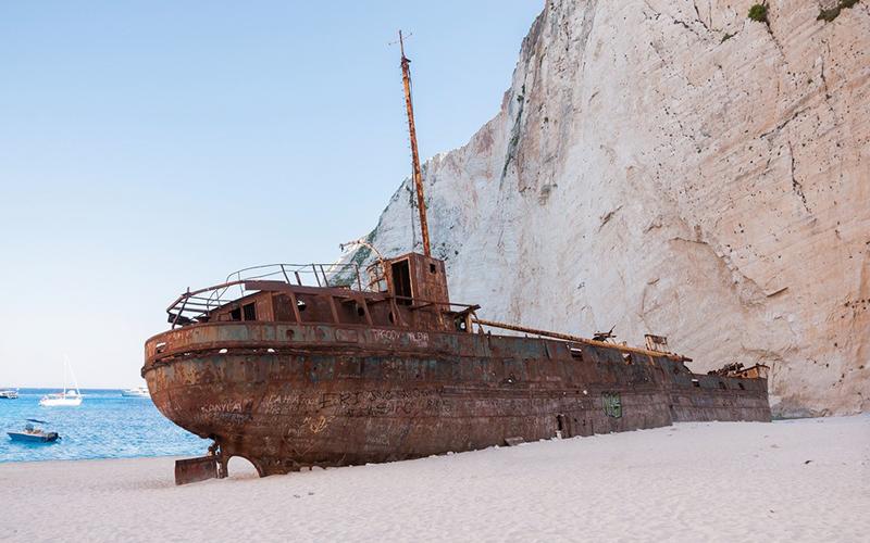 Bucket List Agustus: Bermain Air di Pantai Terbaik Dunia, Pantai Shipwreck