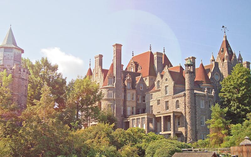 3 Tempat Wisata yang Dibangun Sebagai Bukti Cinta - Boldt Castle, New York