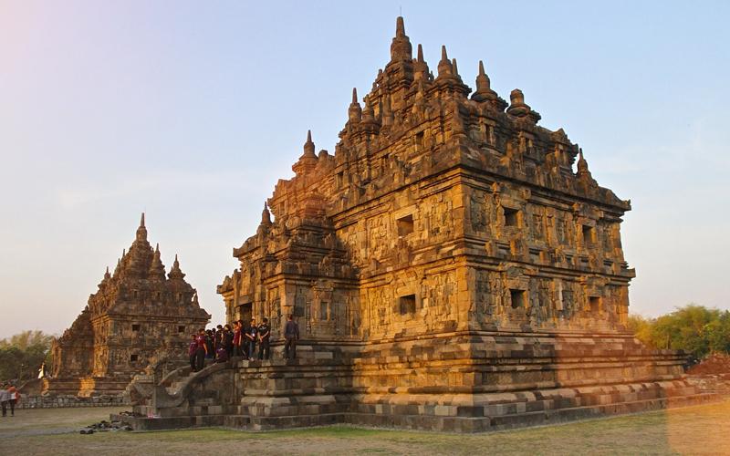 3 Tempat Wisata yang Dibangun Sebagai Bukti Cinta - Candi Plaosan, Indonesia
