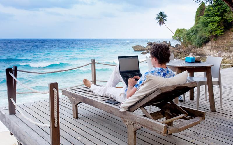 Tambah Tabungan, Manfaatkan Hobi Travelling untuk Kerja Sampingan